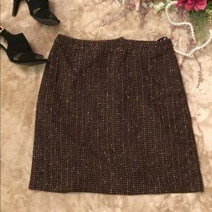 Jones Wear Skirts - Jones Wear straight skirt above near length💜